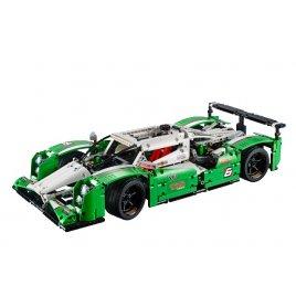 GT vůz pro 24hodinový závod