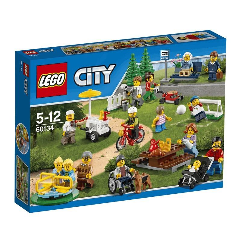 Zábava v parku - lidé z města