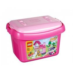 Růžový box s kostkami