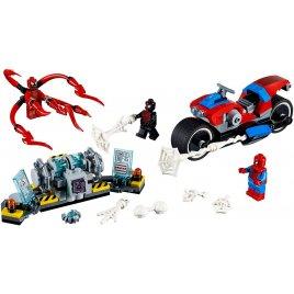 Spider-Man a záchrana na motorce